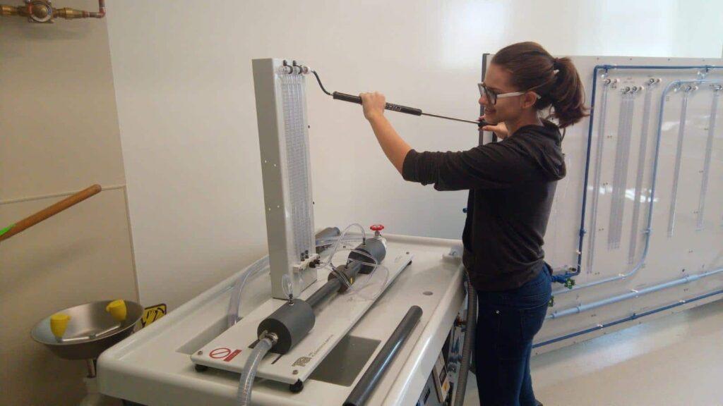 University of Northwestern St. Paul student uses TecQuipment engineering education lab experiments